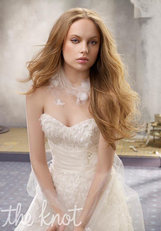 Alvina valenta 9115 wedding dress the knot for The knot gift registry