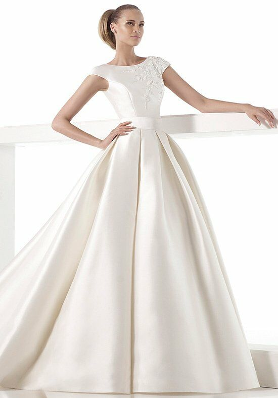 Pronovias millay wedding dress the knot for Wedding registry the knot