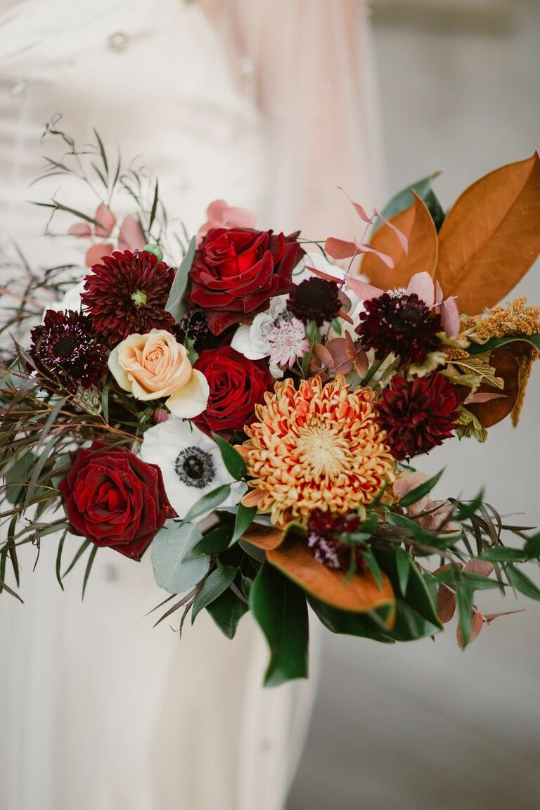 Rustic bouquet with leaves and mums