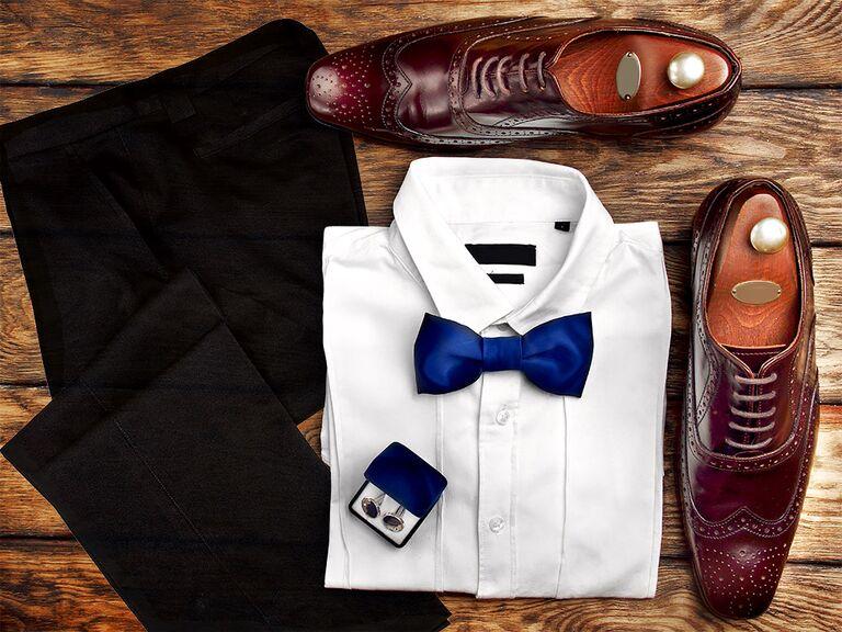 Black suit brown shoes combination