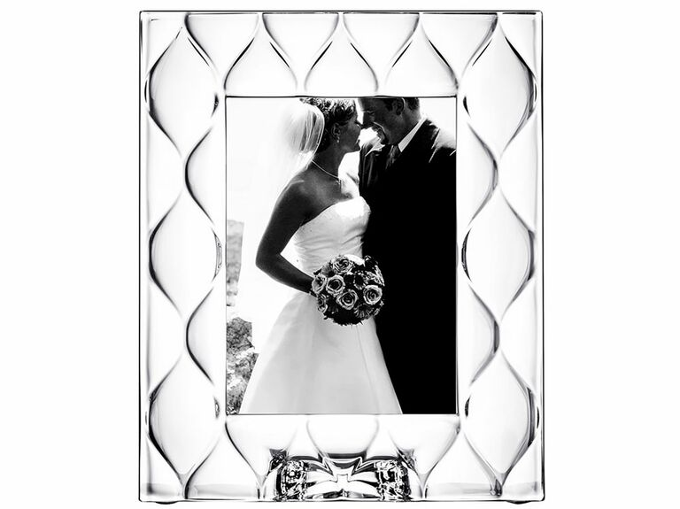 Diamond-shaped textured glass wedding picture frame
