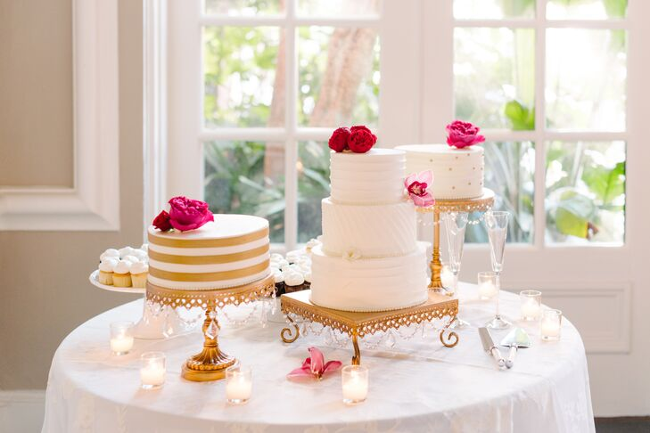 The couple treated guests to a variety of different cake options and cupcakes as well as mini milkshakes as a late-night snack.