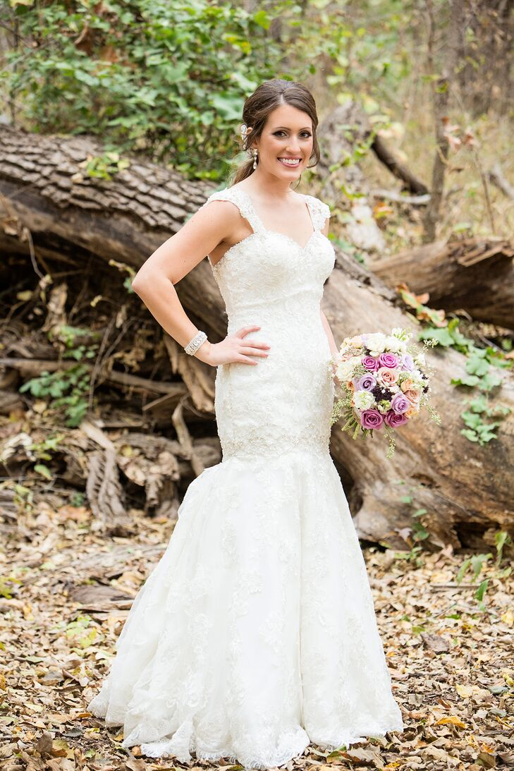 Ivory Lace Allure Bridals Trumpet-Style Wedding Dress