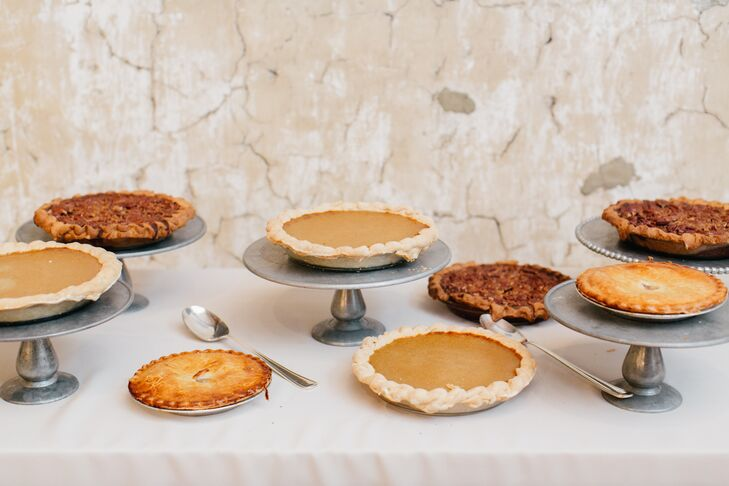 In addition to a traditional Jamaican wedding cake, baked by Heather's grandmother and aunt, guests could also feast on apple, pumpkin or pecan pies.