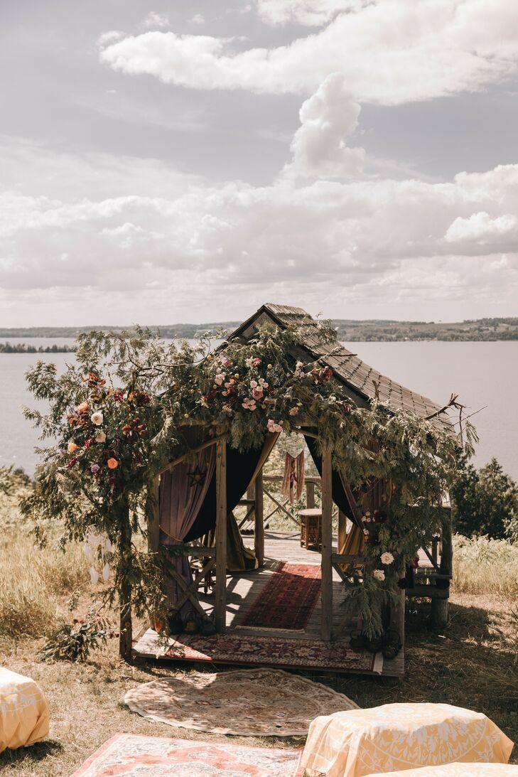 Wedding Ceremony in Waterfront Tea Room Hut Beside Rice Lake