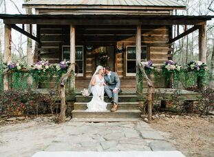 Fresh hydrangeas, grape vines and a garden-inspired palette of lavender, gray and green gave Sara Webb (28 and a second grade teacher) and Chase Crawf