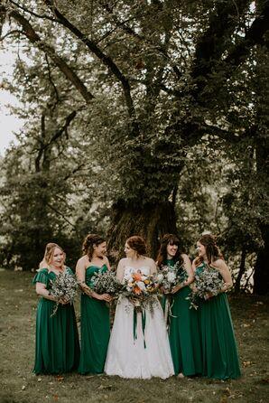 Bridesmaids in Emerald Green Dresses