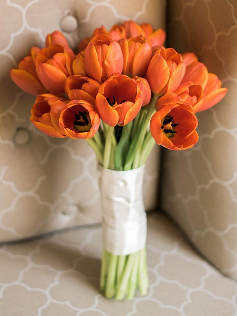 Fall tulip wedding bouquet ideas