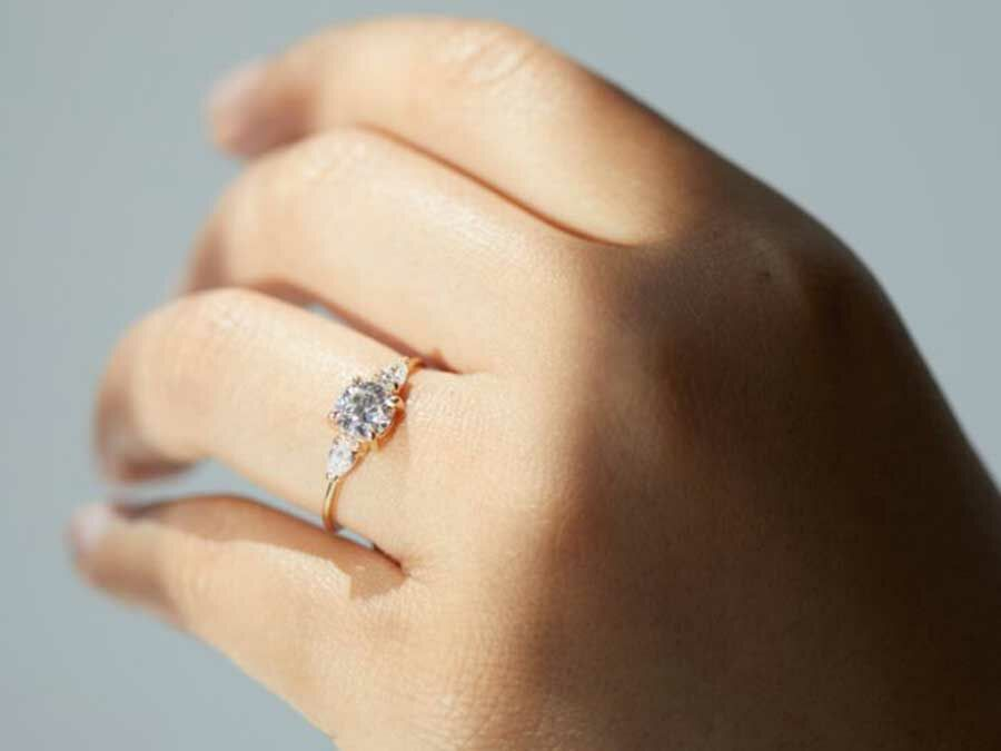 Buying An Engagement Ring Online Read This