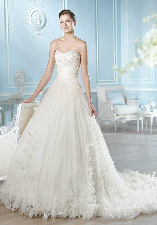 ST. PATRICK Glamour Collection - Asia Wedding Dress photo