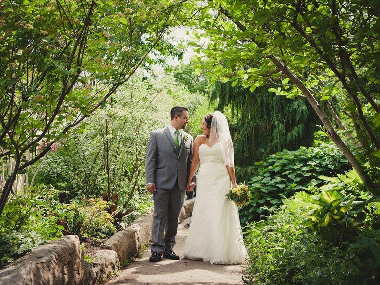 Outdoor wedding at the Henry Doorly Zoo in Omaha, Nebraska