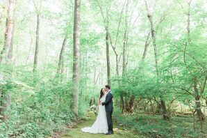 Outdoor Wedding Ceremony at Lord Thompson Manor