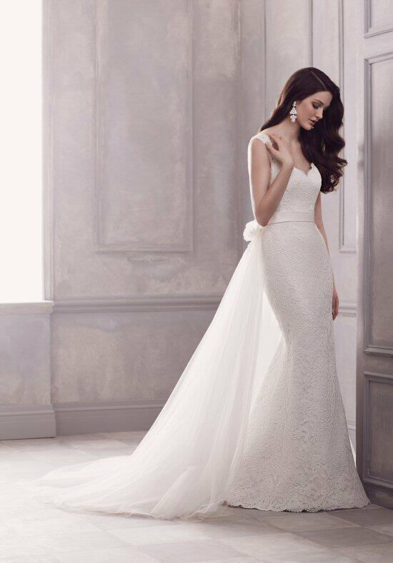 Paloma Blanca 4402 Wedding Dress photo