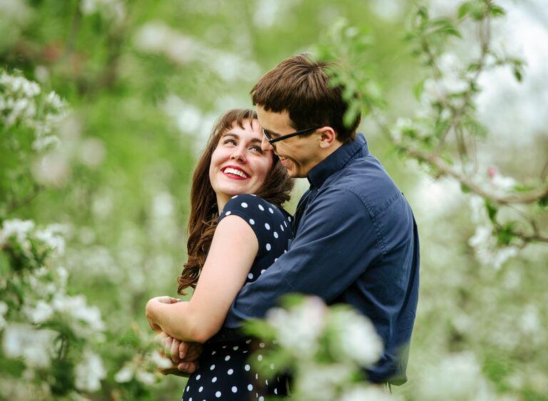 Julie and Jason engagement photo Fenton, MI