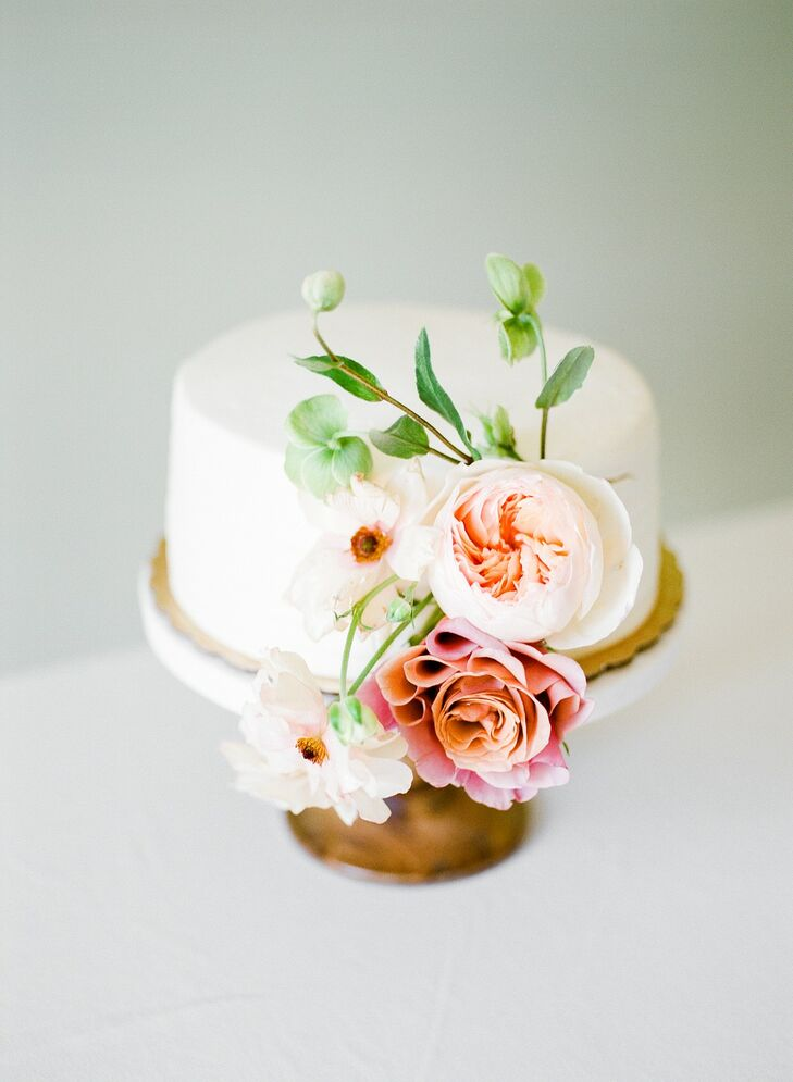Single-Tiered Fondant Wedding Cake with Pink Flowers