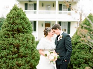 """rn                                        Jennifer """"Jo"""" Oliver (37 and a florist) and Robert Stout (37 and a graphic designer) wanted their November w"""