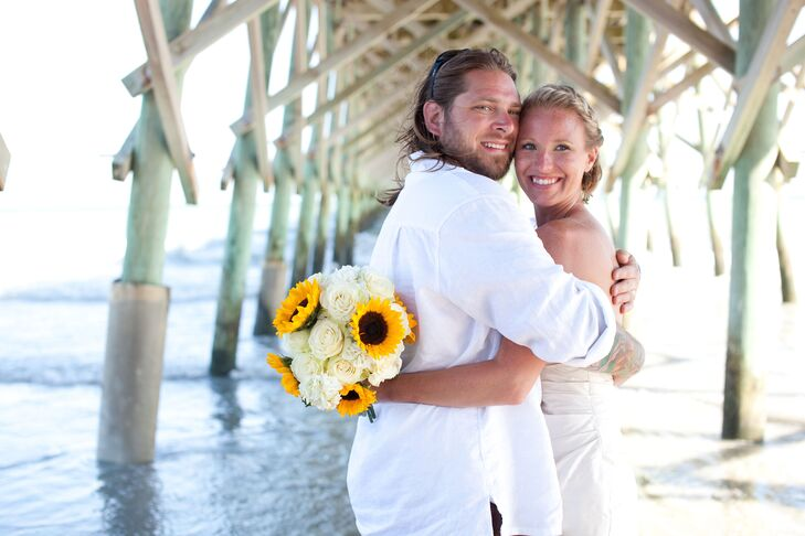 Ashley Zeck (27 and a bartender) and Dustin Likavec (32 and a kitchen manager) innocently flirted for six months after first meeting at work. It wasn'