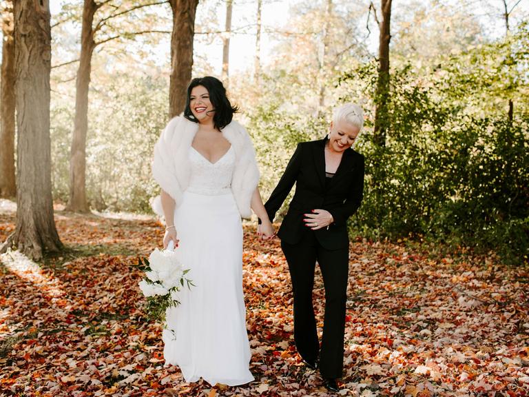 wedding season couple at fall wedding