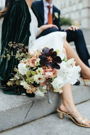 Fall-Inspired Bouquet With Ranunculus Blooms