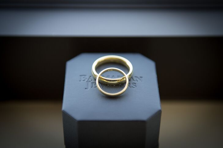 Traditional Gold Wedding Bands