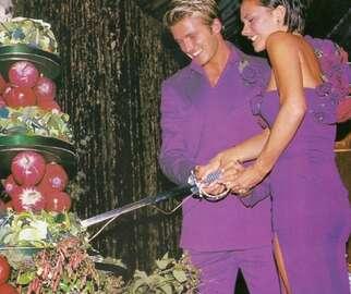beckhams wedding reception cake cutting with a sword