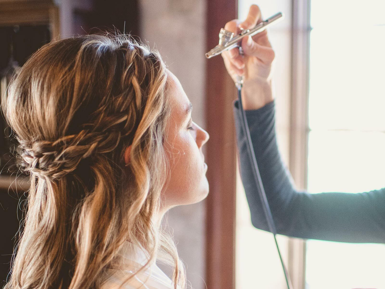 Airbrush Makeup For Your Wedding The