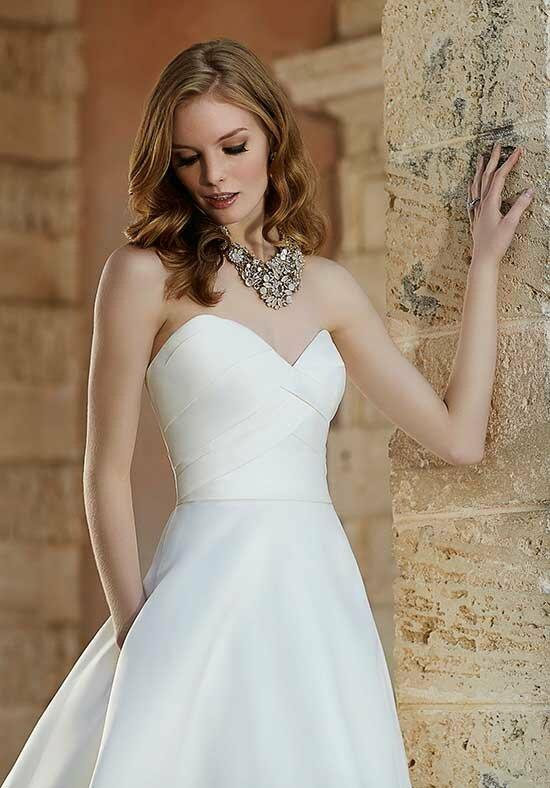 Martina Liana 687 Wedding Dress photo