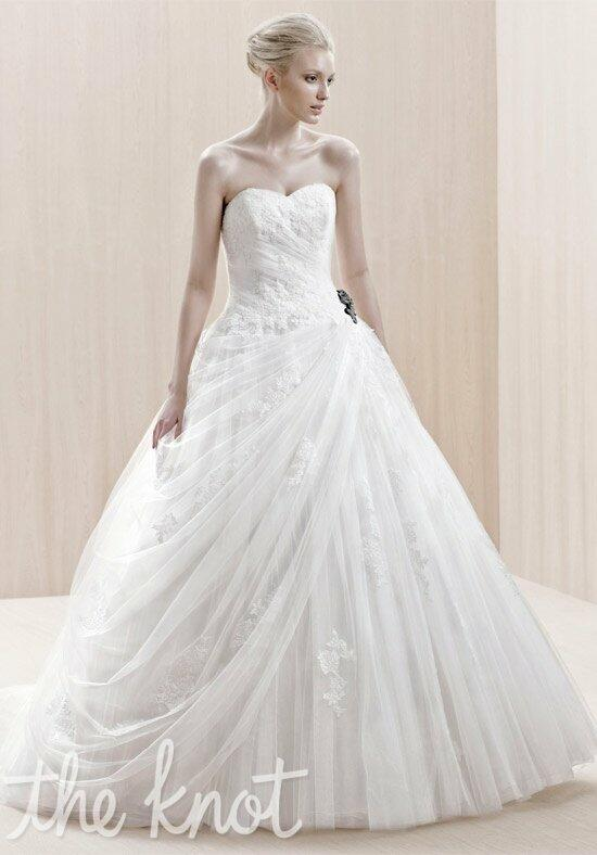 Blue by Enzoani Enschede Wedding Dress photo