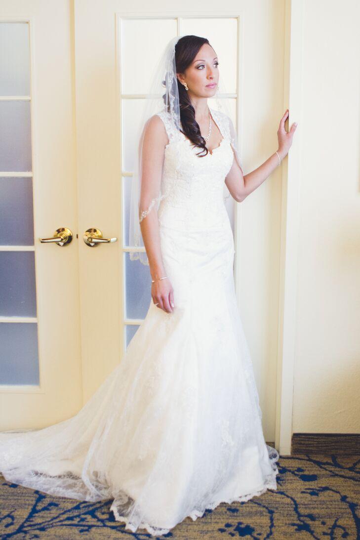 White Lace Dress with Keyhole Back