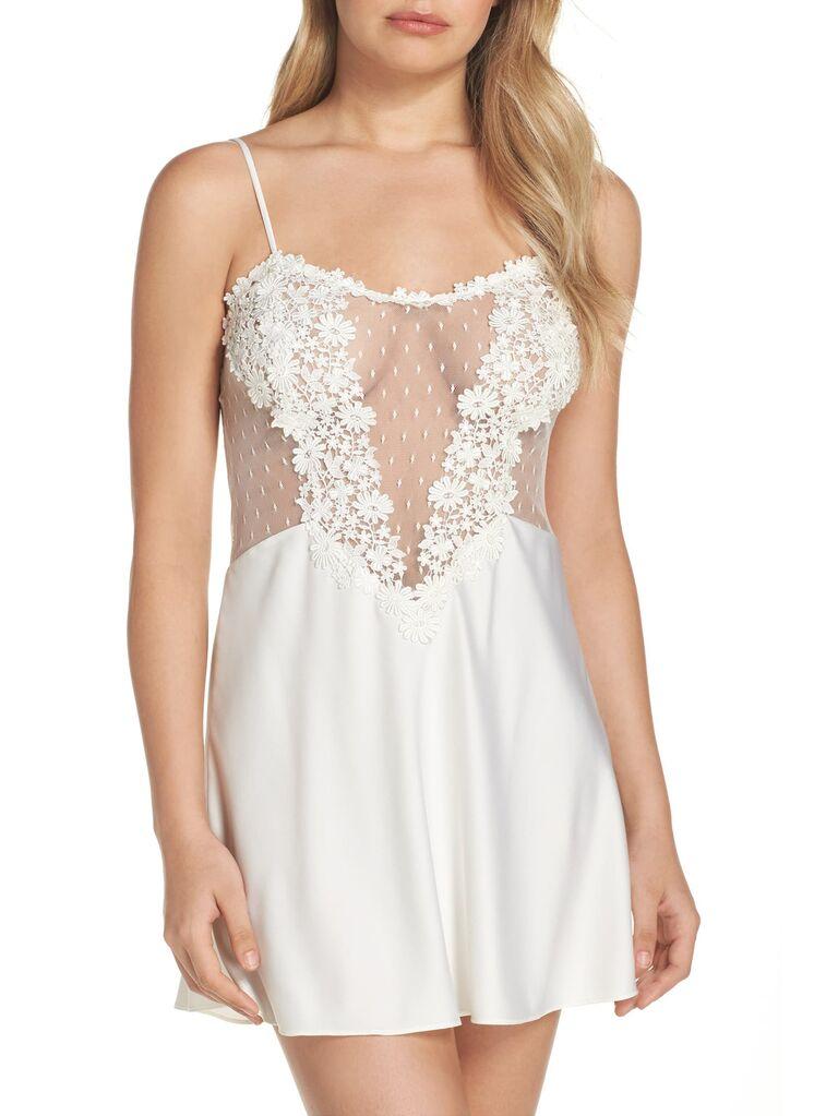 White floral honeymoon lingerie