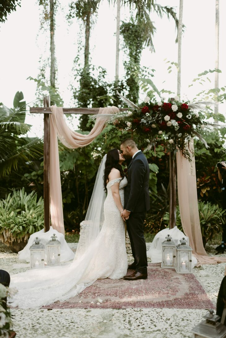 Tropical Modern Ceremony at The Walton House in Homestead, Florida