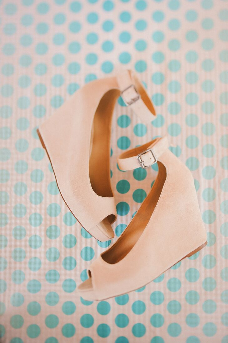 Carissa chose nude wedge heels with an ankle strap that would allow her to dance my heart out without feeling constrained (but still matching my theme)!.