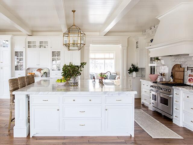 To See More Of Rachel S Gorgeous Kitchen Check Out Pink Peonies
