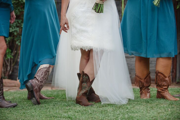 Renee wore cowboy boots with a turquoise design to match the rustic atmosphere and color palette.