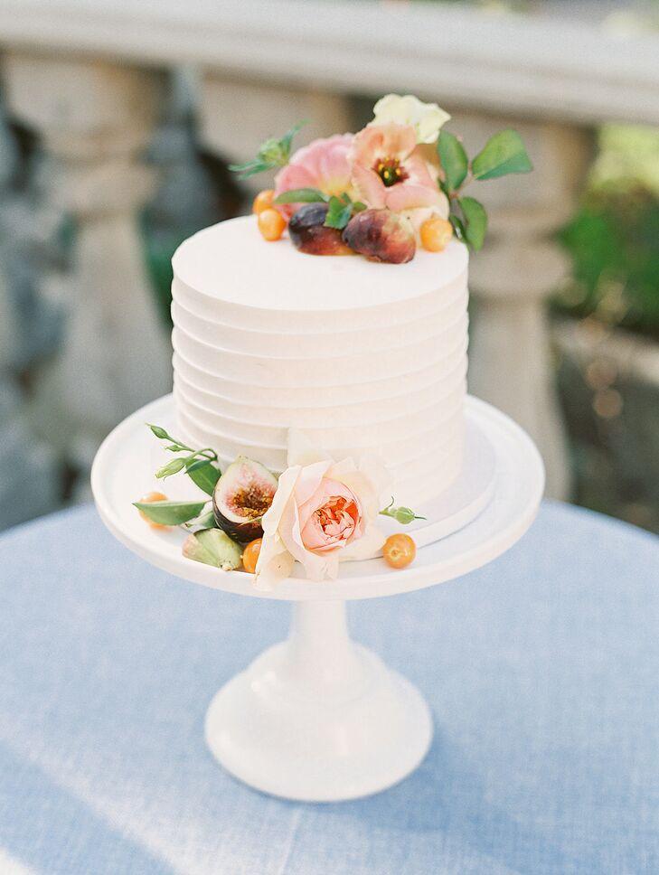 Simple Single-Tier Wedding Cake with Fresh Flowers