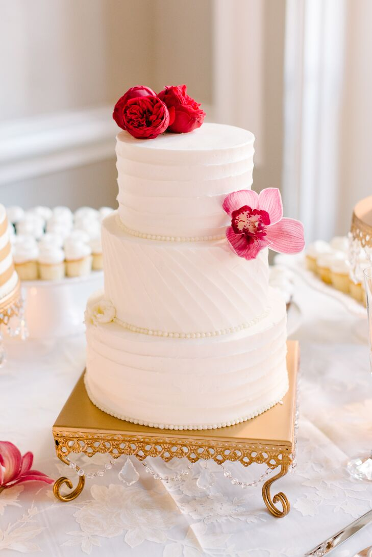 Jaclyn added gold accents to their elegant dessert table with crystal embellished cake stands.