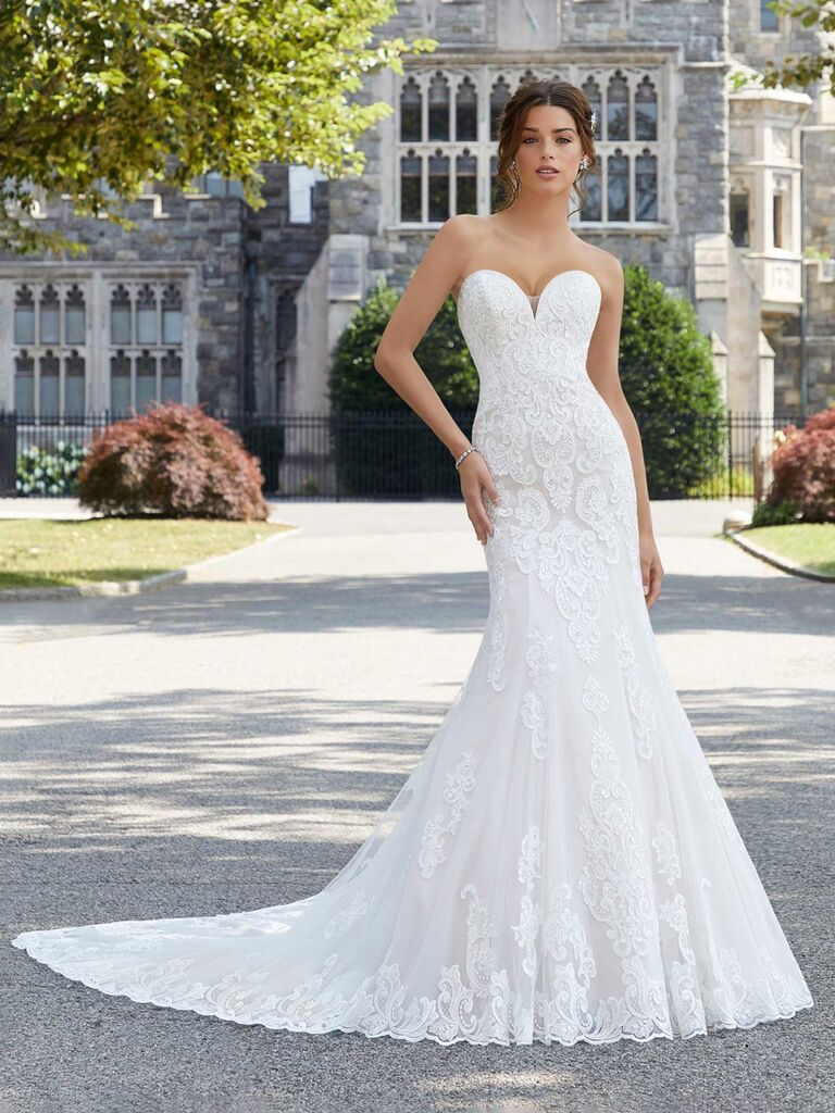 Váy cưới dáng quây màu trắng morilee với đường viền ren ngực người yêu và form váy ren hoa xếp nếp vừa vặn váy cưới đơn giản đẹp Váy cưới đẹp đơn giản