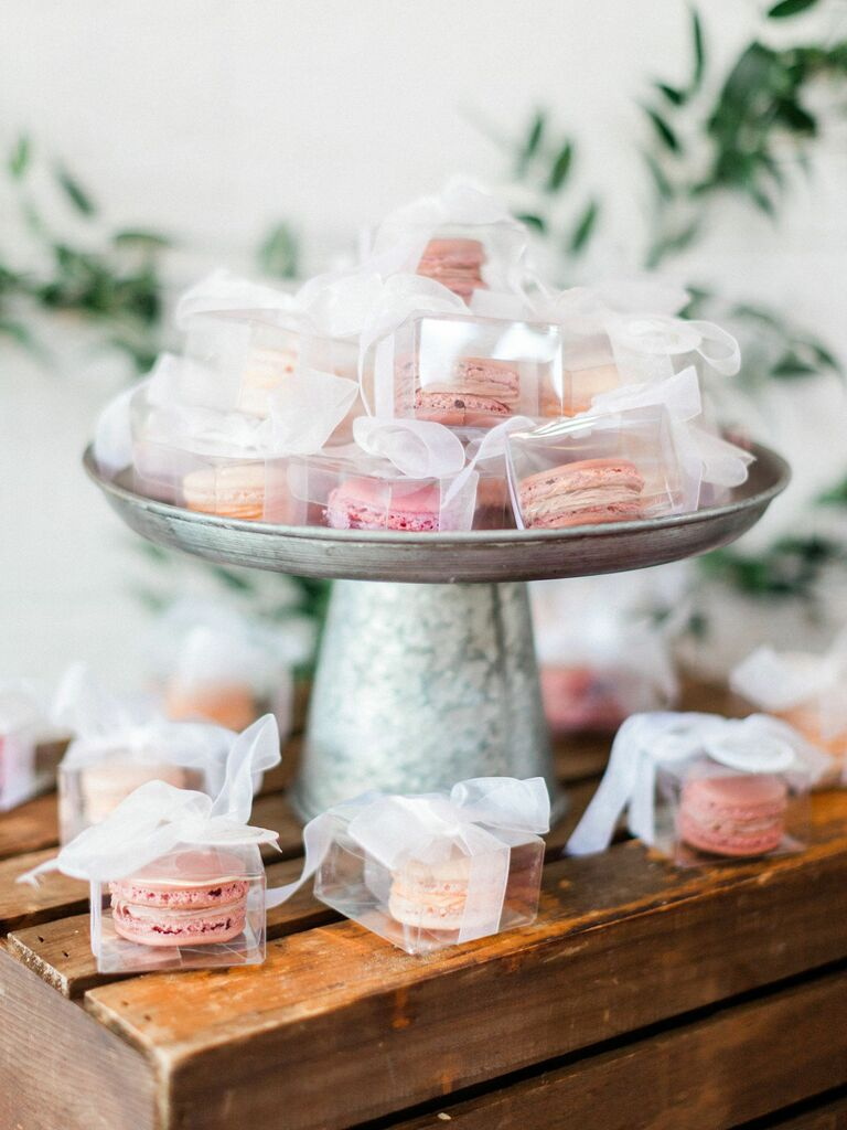 macaron wedding favors in clear boxes