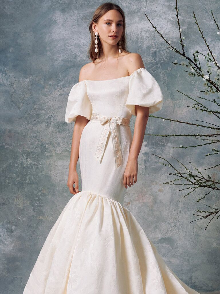 Váy cưới nàng tiên cá bằng lụa trắng đánh dấu có thêu hoa thắt eo thắt eo tay áo phồng và váy hoa xếp nếp váy cưới màu trắng đẹp