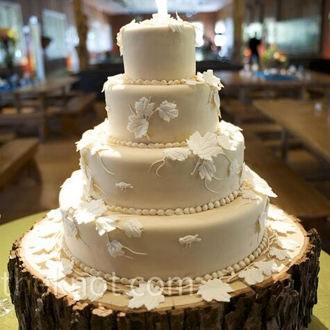 White leaf wedding cake