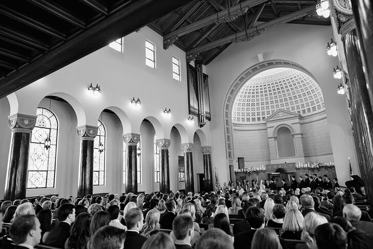 Central Christian Church was a beautiful, classic setting for the Pasta's union ceremony, and provided plenty of space for all of their closest family and friends to be a part of their special day.