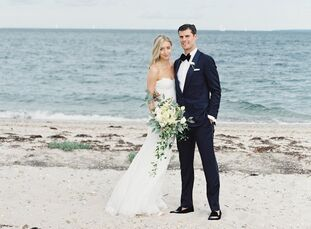 Jenna Hershey (27 and a fashion publicist) and JP Covello (31 and a hedge fund trader) planned an elegant, relaxed soiree for their early-fall wedding