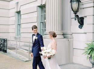 Anderson House is a Beaux-Arts architectural gem nestled in the heart of Washington, D.C., and it served as the picturesque backdrop for Erinn and Jon