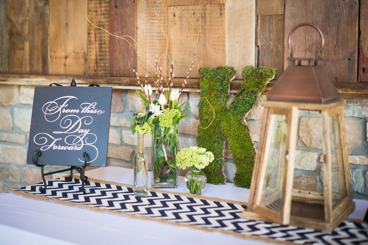 Rustic Spring Welcome Table