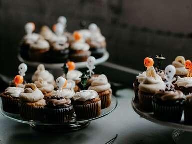 halloween wedding favors