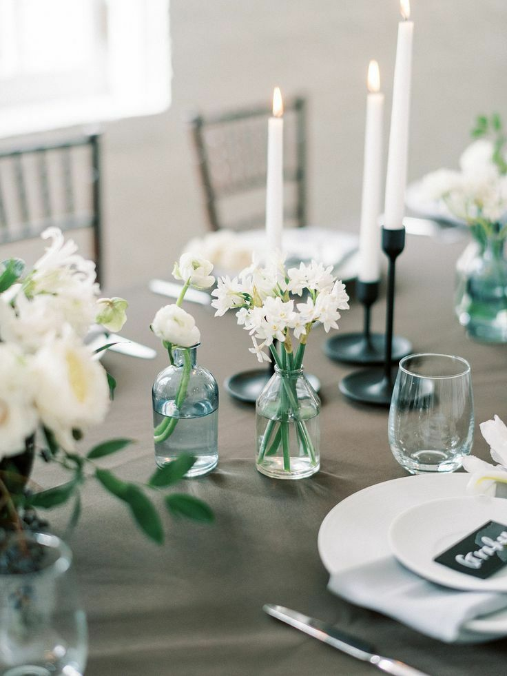 Tablescape with narcissus paperwhite blooms