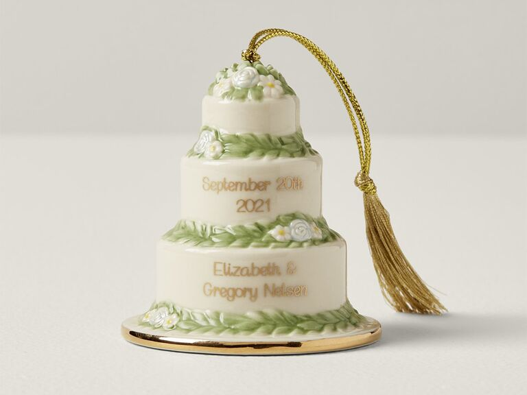 Wedding cake ornament with wedding date and names in gold type