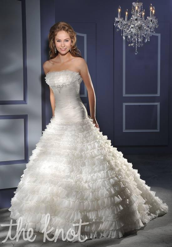 Essence Collection by Bonny Bridal 8004 Wedding Dress photo