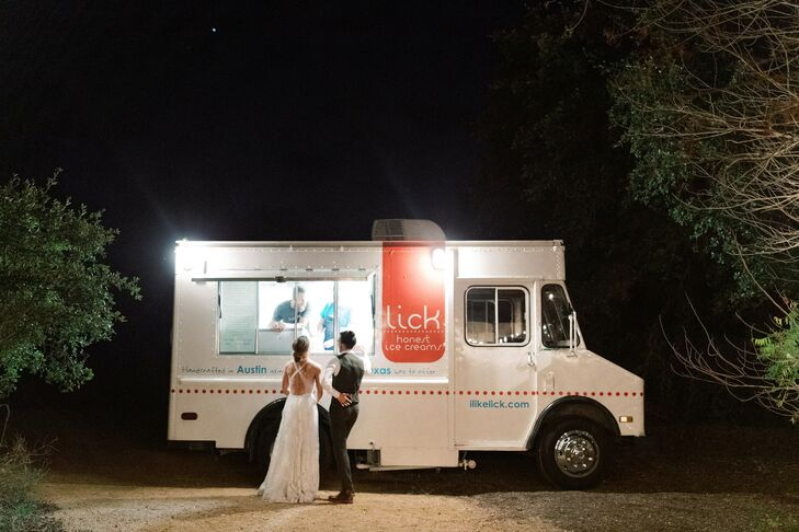 Reception Ice Cream Truck at The Greenhouse at Driftwood