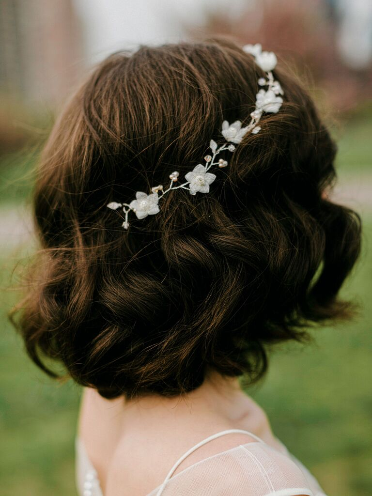 vintage wedding hairstyles short hair with waves and headband